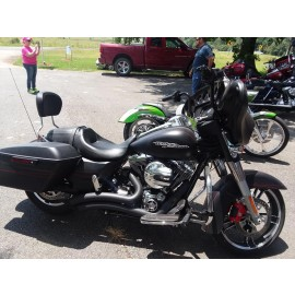 2016 H-D Street Glide only 1,200 miles!!! $17,999.00